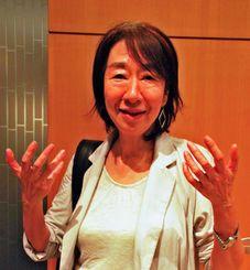 生活できる賃金を保障する産業設計が必要と説いた竹信三恵子さん=東京都内