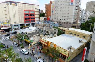 商業施設などの建設で再開発が計画されている牧志1丁目3番地区=12日