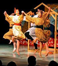 人気歌舞劇、上演100回超え 「沖縄燦燦」の魅力とは…