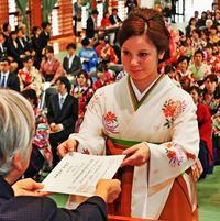 みなぎる使命感 沖縄県内3大学で卒業式