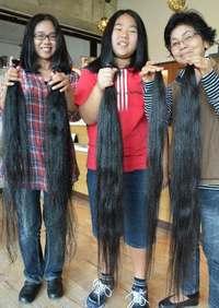 0歳から12年伸ばした髪バッサリ、人生初の「断髪式」 母娘にっこり「ヘアドネーションで役立てて」