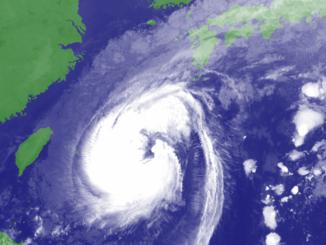 28日7時10分、気象衛星がとらえた台風22号