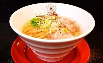 「TAKANE」の塩ラーメン「清湯麺」(チンタンメン)