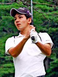 首位と2打差の2アンダーで2位発進した山城泰介(早稲田4年)=大利根CC(日本ゴルフ協会提供)