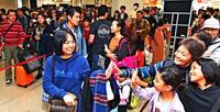 正月休み終えて「また頑張ろう」 那覇空港、Uターン客で混雑
