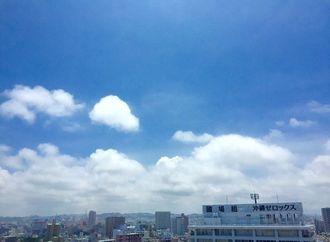 平年より7日早く梅雨明けした沖縄地方