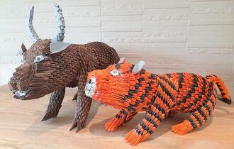 牛(左)と虎