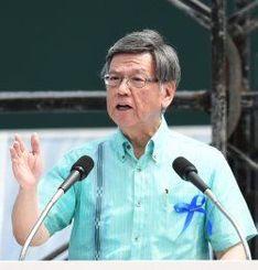 「辺野古は絶対阻止する」と訴える翁長雄志沖縄県知事
