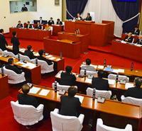 保守系の「勉強会」が予算否決を後押し 県民投票 地方議員、統一見解求める