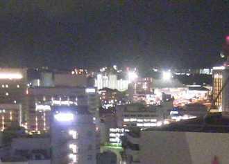 「沖縄タイムスライブカメラ」で、世界のウチナーンチュ大会の開会式会場、沖縄セルタースタジアム那覇の方角を見てみました。盛り上がってるかな?