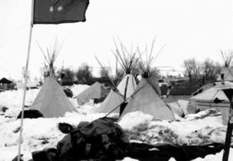 スタンディングロック・スー族居留地のキャンプ=1月、米国ノースダコタ州(筆者撮影)