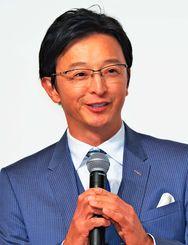 長生きのこつについて話す池谷敏郎さん=宜野湾市・ラグナガーデンホテル