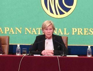 児童ポルノ問題の調査で来日し、沖縄の現状についても対策の必要性を指摘した国連特別報告者のブキッキオ氏=26日、都内の日本記者クラブ