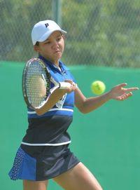 リュー理沙マリー(沖縄尚学)決勝進出 全国高校総体テニス女子