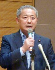 「日本大改革プラン」の意義を説明する日本維新の会の馬場伸幸幹事長=17日午後、国会