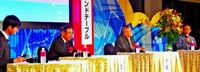 観光誘客1000万人へ討論 沖縄懇話会
