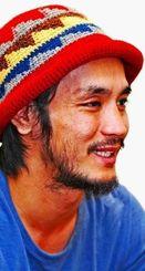 いしかわ・りゅういち  1984年宜野湾市生まれ。2010年写真家の勇崎哲史氏に師事。15年3月、木村伊兵衛写真賞、4月に日本写真協会新人賞を受賞。写真集「絶景のポリフォニー」「okinawan portraits 2010-2012」など