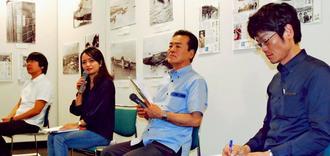 写真展「よみがえる古里~1935年の沖縄」で見つかった写真の資料的価値について語る識者ら=22日、那覇市久茂地・タイムスギャラリー