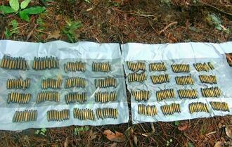 米軍北部訓練場返還跡地で発見された新品の未使用の空包=28日、国頭村安田(宮城秋乃さん提供)