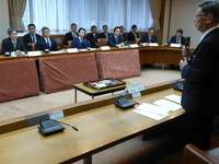 「住民の安全確保は最優先課題」 衆院安保委、沖縄知事と面談