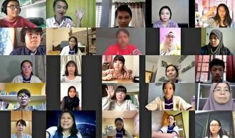 新型コロナウイルスの生活への影響について、オンラインで意見交換する生徒らのスクリーンショット(スプラタルカ提供)