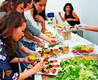 シェフ700人と契約、非日常を演出 会議活性化し、「食」でアイデア促す【革新に挑む・8】