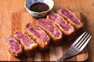 グランプリに輝いたバルコラボグループの「牛肉の新たな美味しさの体験!バルコラボ特製牛カツ」(提供)