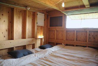エアービーアンドビーに登録されている人気の高い沖縄の物件のベッドルーム