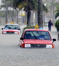 八重山で記録的豪雨、浸水や冠水相次ぐ 石垣・登野城で観測史上最大98ミリ