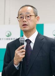 記者会見する原子力規制委の更田豊志委員長=22日午後、東京都港区