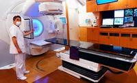 最新の放射線治療装置 県立南部医療センターが導入