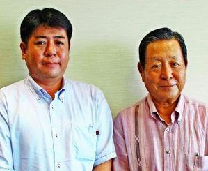 就任の抱負を述べた前里雅也社長(左)と前里健一会長=6日、沖縄タイムス社