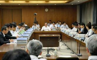 「大阪都構想」の制度案を作る法定協議会=26日午前、大阪市役所