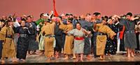東京・国立劇場に弾む、日本最南端の町の伝統芸能 竹富町制70周年記念公演