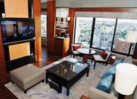 那覇の中心地に高級ホテルオープン「一流都市の仲間入り」