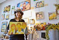 「亡き家族を私と一緒に描いて」 遺族の思い出傾聴し似顔絵に 喪失感をケア 宜野湾のギフト店主