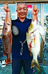 西崎一文字で38センチのカーエーなどを釣った南遊海の林浩晋さん=15日
