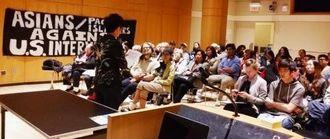 「標的の村」の上映会の様子=5月21日、ニューヨーク市立大学大学院セガル講堂