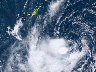 台風14号(10日13時10分現在、ひまわり8号リアルタイムWeb)