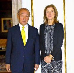 米大使館からの招きで、ケネディ駐日米大使(右)と会談した仲井真知事=29日、東京・米大使公邸(県提供)