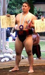 135キロ未満級で県勢初優勝を飾った日大の山本浩太=東京・靖国神社相撲場(提供)