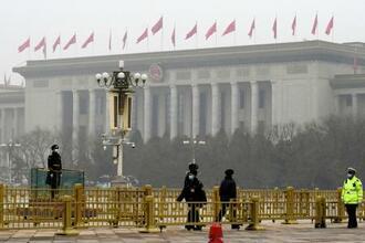 中国全人代が開かれる北京の人民大会堂=4日(共同)