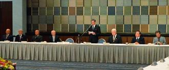 第1回沖縄空手国際大会の基本方針などを承認した第1回総会=日、那覇市・ANAクラウンプラザホテル沖縄ハーバービュー