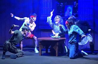 関係者に公開された「Comic Dojo TEE!Family」の一場面=5日、那覇市・琉球王国市場内の常設劇場