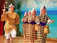 伝統の豊年踊りに歓声/名護仲尾次区 19演目を披露