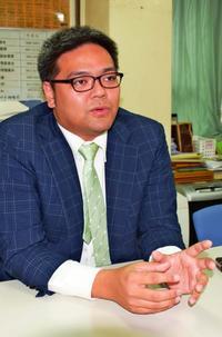 「実はネトウヨでした」翁長前知事の息子、転機は父へのひどい中傷