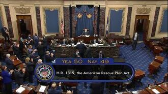 米上院での新型コロナウイルス対策法案の採決で、賛成50、反対49の結果を示すテレビ映像=6日(上院テレビ提供、AP=共同)