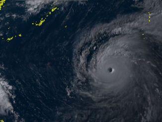 8日午後5時の台風8号(NICTひまわり8号リアルタイムwebから)