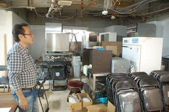 施設内には厨房器材が搬入され、食事の提供に向けた準備も進む。