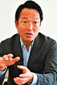 ほめる研修で人材定着 メディアフラッグ社長・福井康夫氏